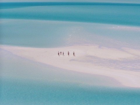 hill inlet 2 - people standing on a sandbar