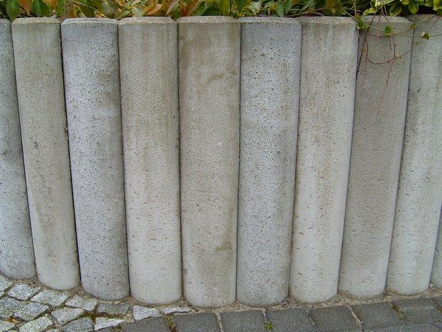 concrete_pillar_TT7010043.JPG