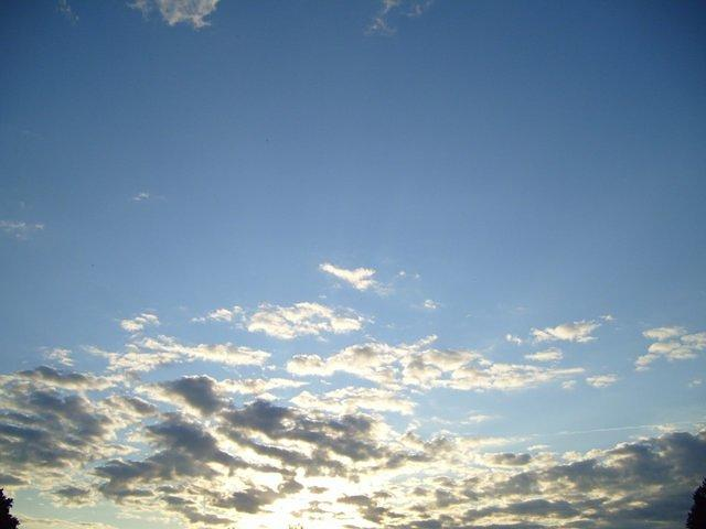 sky_with_clouds_TT000168.JPG