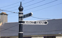 Kilcullen_Signs_for_TheValley_Park_and_MarketSquare