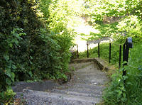 Kilcullen_TheValley_Park_Path_down_to_riverside