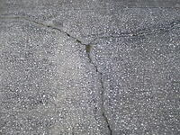 concrete_cracked.jpg
